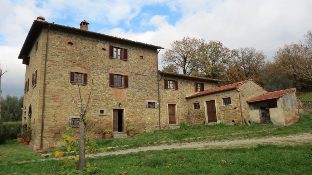 Country house under the Tuscan sun