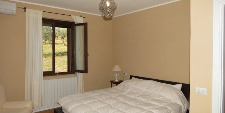 bedroom with a/c and view olive grove
